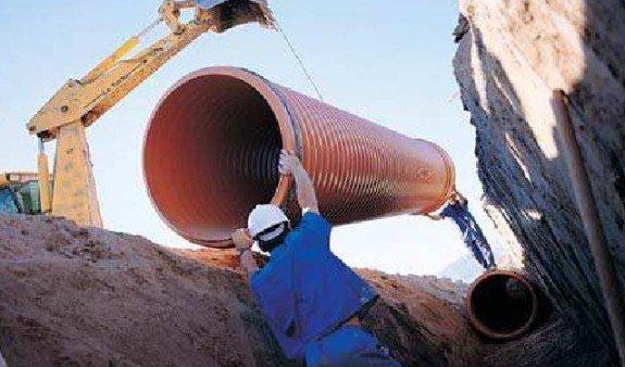 manipulacion tubo corrugado sn8 pvc