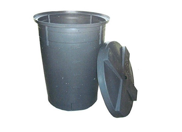 depositos conicos gris para agua