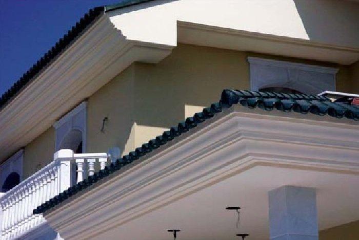 Colocar molduras techo poliuretano latest leds y un zcalo - Cornisa para led ...